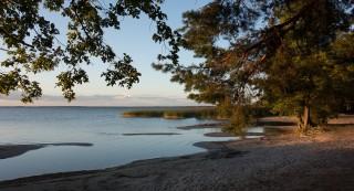 lakeside-992921_1920